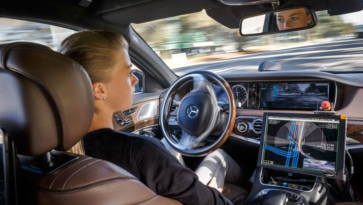 103977010-Mercedes-Benz-Hands-Free-Driver-710x400
